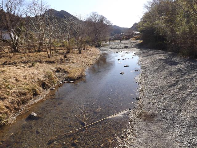 名栗川河原